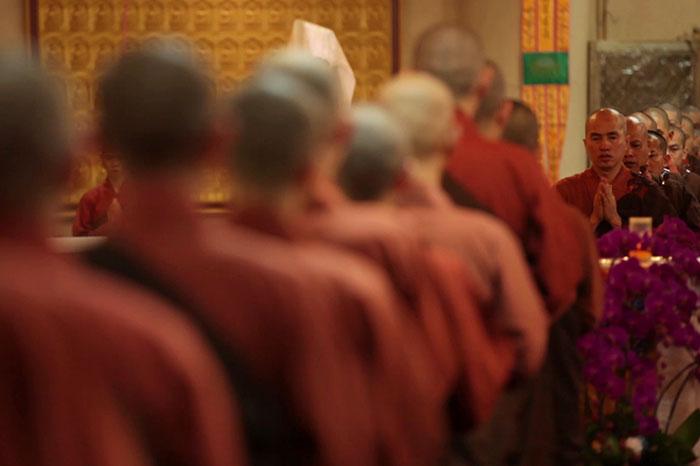 【福智僧團的一天】早晚課——勤作祈禱為有情