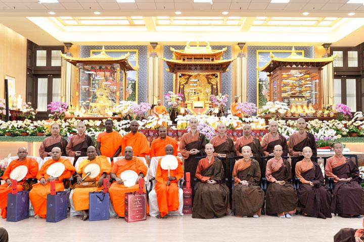 斯國高僧參訪福智,同願攜手弘揚佛教