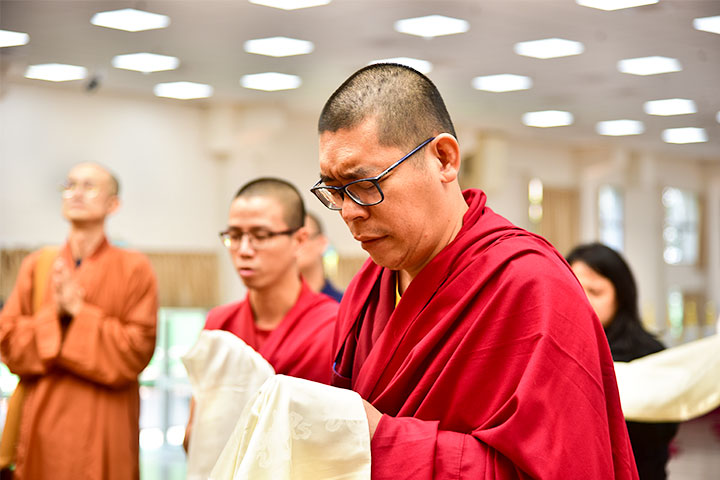 師長阿克雲丹、哲蚌赤巴弟子訪福智僧團